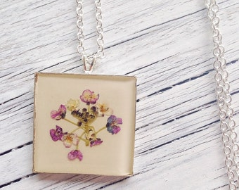 real flower necklace, nature jewelry, purple necklace, pressed flower necklace, delicate jewelry, resin jewelry, real flower jewelry