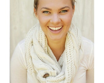 LIGHTWEIGHT Perfect Scarf ™ - Fall Scarves, Scarf with buttons, Cable Knit Scarf, Fall Scarf, Cream Scarf