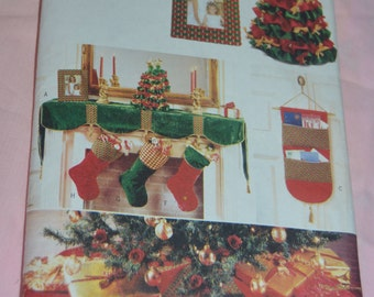 Butterick 4603 A Pinwoven Christmas Sewing Pattern - UNCUT