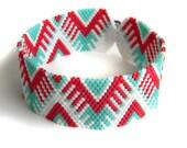 Seed Bead Bracelet, Peyote Bracelet, Beaded Jewelry, Beaded Bracelet, Beadwoven bracelet, Hippie, Boho