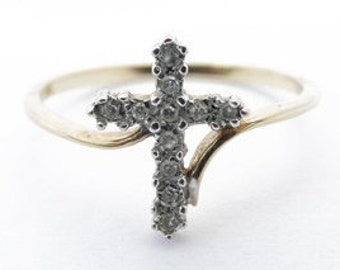 Vintage Ladies Diamond Cross Engagement or Confirmation Ring in 9ct Yellow Gold FREE POSTAGE