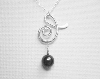 Black Pearl Pendant Hammered Pendant Modern Pendant Necklace Scroll Pendant Sterling Silver Pearl Necklace Swarovski Pearl Hammered Jewelry