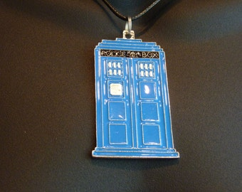 Doctor Who large TARDIS - necklace, key ring zipper pull