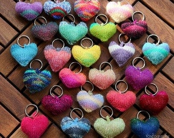 Little hearts to give away or keep, handknit in all colours, keychain, table decor, accessory, thank you gift, valentines day