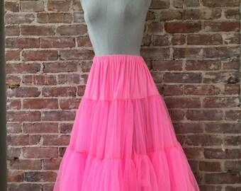 S / M - 1950s Hot Pink Petticoat / Vintage Crinoline
