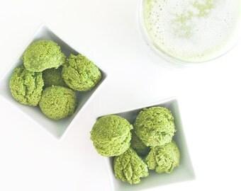 Organic Matcha Green Tea Macaroons / Gluten Free / Vegan / Raw / Low Carb / Paleo Friendly