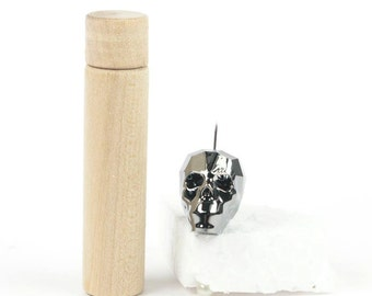 """Basic Set for """"Skelly"""" (Pattern in the book: Siâns Needle Cases)"""