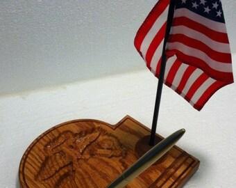 US Marine Corps Carved Oak Desk Pen & Flag