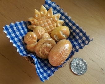 Basket filled with delicious bread OOAK 1:12 Dollhouse Miniature Food Fimo one inch scale, general store