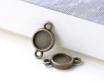 Double Sided Pendant Tray Connector Antique Bronze Bezel Setting Match 8mm Cabochon Set of 20  A8092