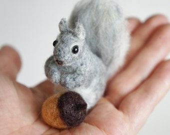 Needle Felted Squirrel with Acorn, Wool Felt Animal, Mother's Day Gift, Kitchen Ornament, Blythe Accessory