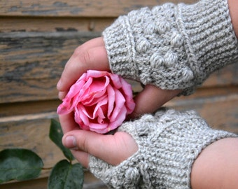 Fingerless Gloves. Country chic gloves. Ecofriendly gloves. Wool Wrist warmers with nupps. Arm Warmers. Autumn gloves.