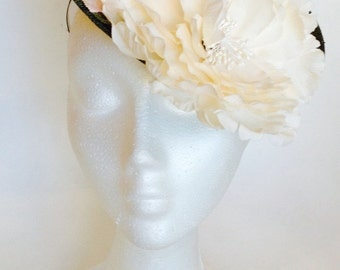 Green Sinamay Headdress with Flowers and Leaves, Green Headdress, Wedding hat, Event Hat, Party Hat, Womens Hat, Fascinator