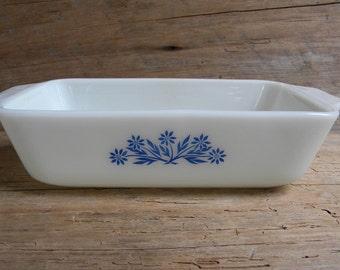 Vintage Cornflower Blue Loaf Pan / White Loaf Pan / Blue Flower Loaf Pan / Country Kitchen Bread Pan