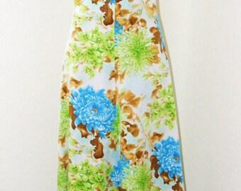 Vintage 1970s Beautiful Long Floral Cape Sleeve dress