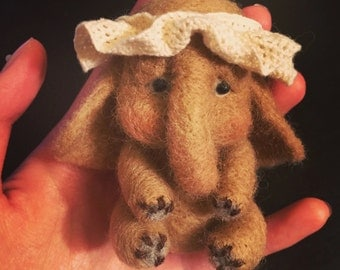 Little elephant wool felt/needle felt