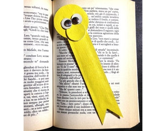 Leather bookmark in yellow handcrafted in Italy.