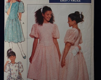 Vintage Sewing Pattern Butterick 6859 for a Girl's Dress for Age 7-8-10