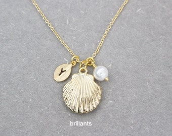 Personalized Sea Shell and Pearl necklace, Clam necklace, Lucky charm, Bridesmaid jewelry, Everyday jewelry, Wedding necklace