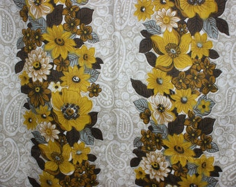 Adorable vintage 70s pair of Curtains lengths with lovely retro floral pattern. Made in Sweden Scandinavian