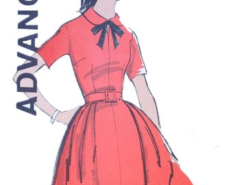 1960s Advance 9884 Teen and Junior Dress size 12