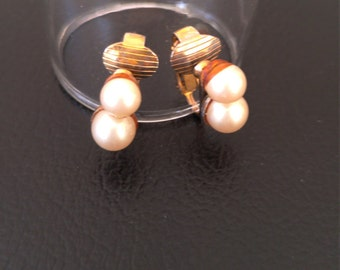 Matched Pearls in Gold-plated Settings Vintage Clip Earrings