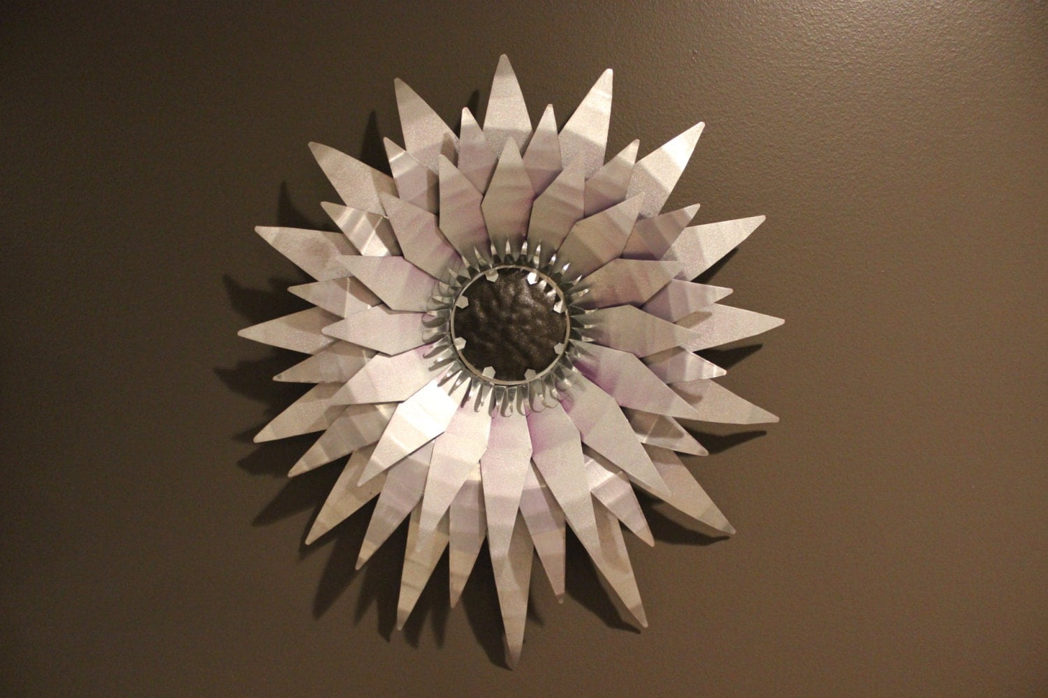 Hand cut metal wall d cor metal flower metal sun indoor for Metal flower wall art