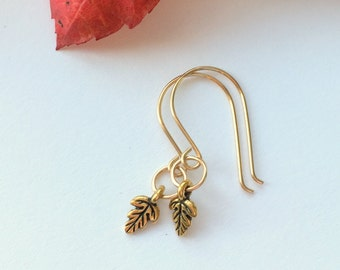 Tiny Gold Leaf Earrings, Autumn Jewelry, Gold Dangle Earrings, Woodland Wedding, Nature Jewelry, Oak Leaf Earrings, Trendy Jewelry