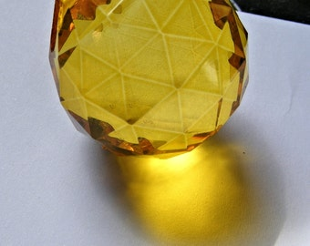 SUNNY YELLOW glass ball suncatcher ~ Faceted 30mm PRISM lightcatcher ~ Feng Shui - suncatcher - for glass crafting