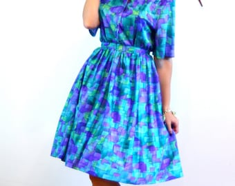 Vintage 60s MAD MEN Dress Colorful Blue Green Purple Geometri Print Full Sweep Skirt Scoop Neck Short 3/4 Sleeve Dress Plus Size Size XL