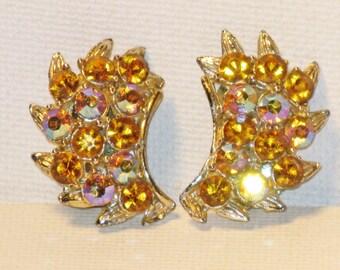 Vintage BSK Silver Tone Gold Aurora Borealis Rhinestone Clip Earrings (E-1-5)