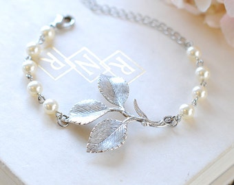Silver Leaf Branch Bracelet Bridal Bracelet White Cream Pearls Adjustable Bracelet Woodland Wedding Bridesmaid Gift Valentine's Day Gift