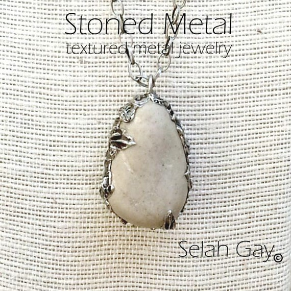 Natural Stone Necklace Sculptured Metal 3 - Stoned Metal Jewelry