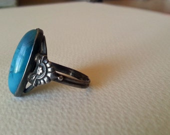 SALE!!! 1960's Vintage Sterling Silver Ring... Gorgeous Blue Turquoise Stone... Size Adjustable Up To ring size 13... Women or Men