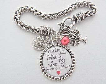 PERSONALIZED TEACHER Gift Teacher Charm Bracelet Inspirational Quote Apple Back to School Preschool Daycare Thank You for helping me grow