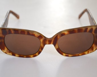90s Does 60s, Space Age Tortoise Shell Sunglasss, Oval Cat Eye, Hand Polished