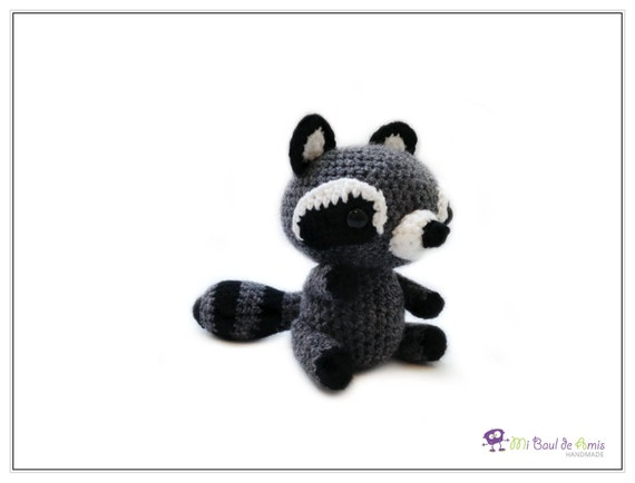 Amigurumi To Go Raccoon : Crochet Grey Black Raccoon Amigurumi Woodland Stuffed Toy