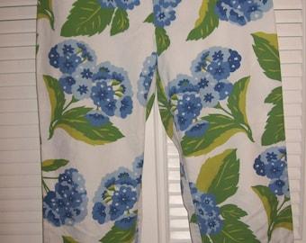 Vintage Tommy Hilfiger Capris Hydranga Blue Beauty.  Size 8