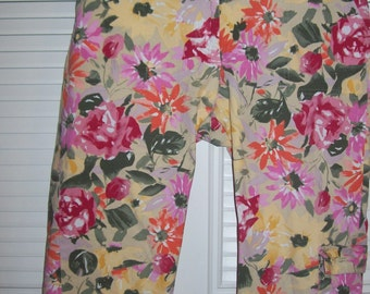 Vintage Floral Cargo Pants Cool Pockets and Buckles on cuffs. Size 14