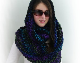 Hand-knitted Chunky Oversized Infinity Cowl Scarf in Black, Purple, Green, Blue