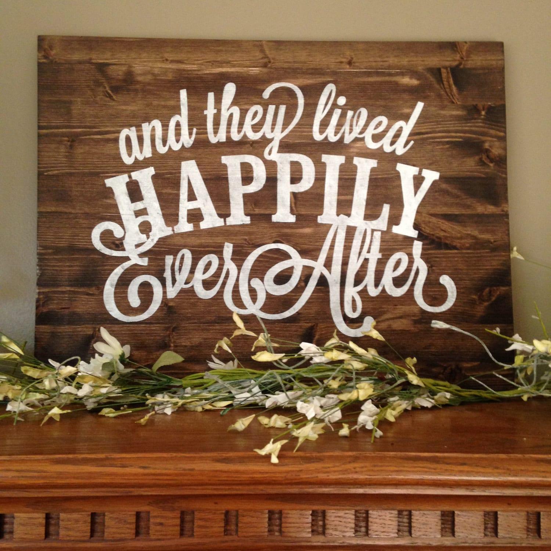 """and they live happily ever after Muchos ejemplos de oraciones traducidas contienen """"they lived happily ever  after"""" – diccionario español-inglés y buscador de traducciones en español."""