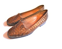 CLOSING SALE Vintage Woven Flats Gold shoes metallic slip on flats 80s 1980s shoes Naturalizer  BOHO hipster woven shoes womens size 9