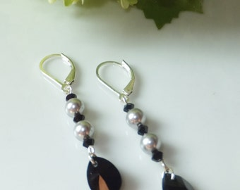 Earrings with gray Swarovski pearls