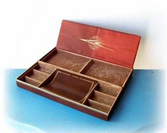Vintage Travel Jewelry Box Case  w. gold trim 1960s  Brown leatherette valet snap storage slim  and roomy : NICE