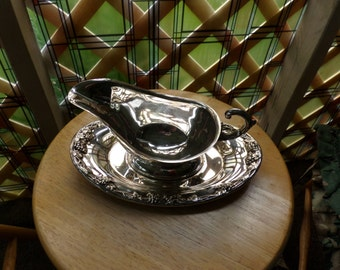 Vintage Silver Gravy Boat and Tray, silver plated gravy boat, 1950's tableware, wedding gift