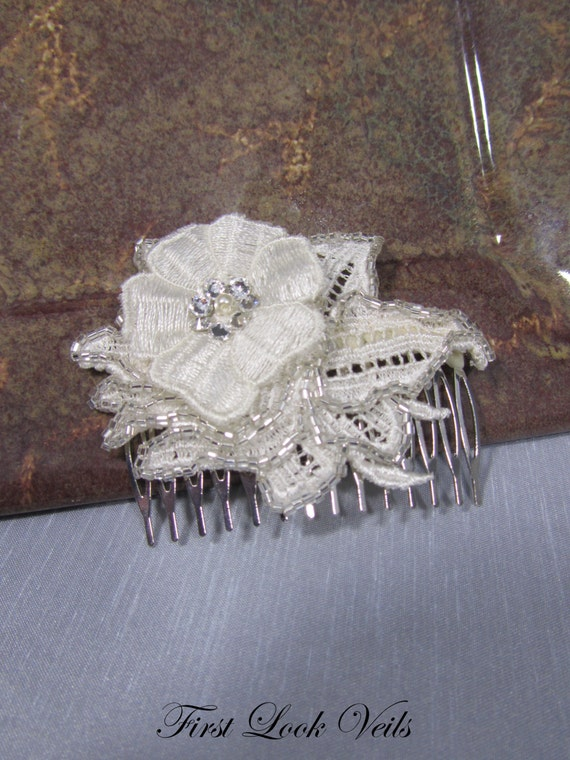 Ivory Bridal Comb, Floral Comb, Lace Comb, Swarovski Crystal's, Glass Crystal Beads, Bridal Accessory, Bridal Accessories, Veil, Vail, Viel
