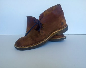 CLARKS Shoes DESERT BOOT | Chukka Boot/Shoe | Brown Leather | Crepe Rubber Sole | size 9M