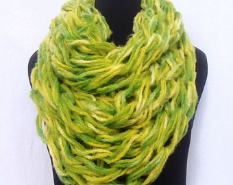 Chunky Infinity Scarf in Chartreuse Green and Yellow