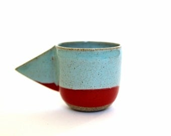 Espresso cup with triangle handle