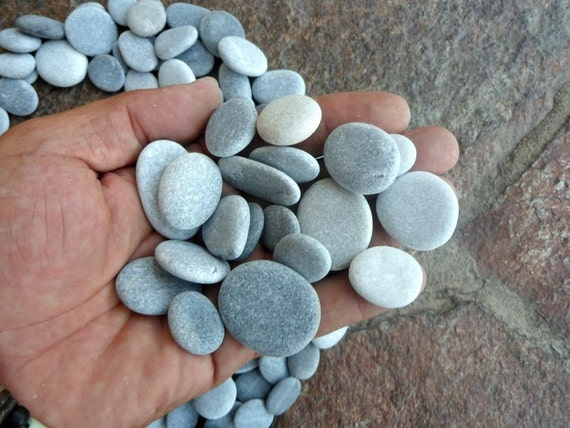 100 craft pebbles beach pebbles beach stones grey for Flat stones for crafts